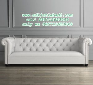 Bangku Sofa Bond Chesterfield