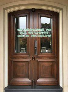 Pintu Depan Rumah Jati