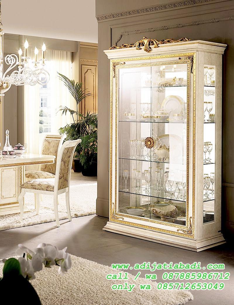 Almari Hias Kaca Ukir Klasik Moderen Lemari Hias Kristal Klasik Ruang Makan Adi Jati Abadi Gambar lemari hias ruang tamu