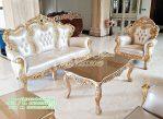 Set Ruang Tamu Mewah Klasik Desain Moderen