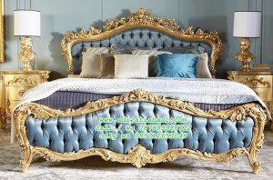 Tempat Tidur Klasik Desain Italy