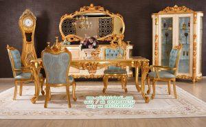 Desain Ruang Makan Klasik Gold dengan Bufet Hias Cermin Ruang Makan da Lemari pajangan